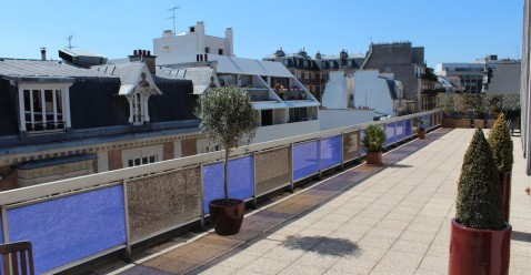 A 200 square meters terrace for afterwork drinks or simply enjoy the sun