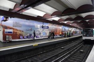 Digital advertisng campaign in Paris metro stations - picture taken in Opera